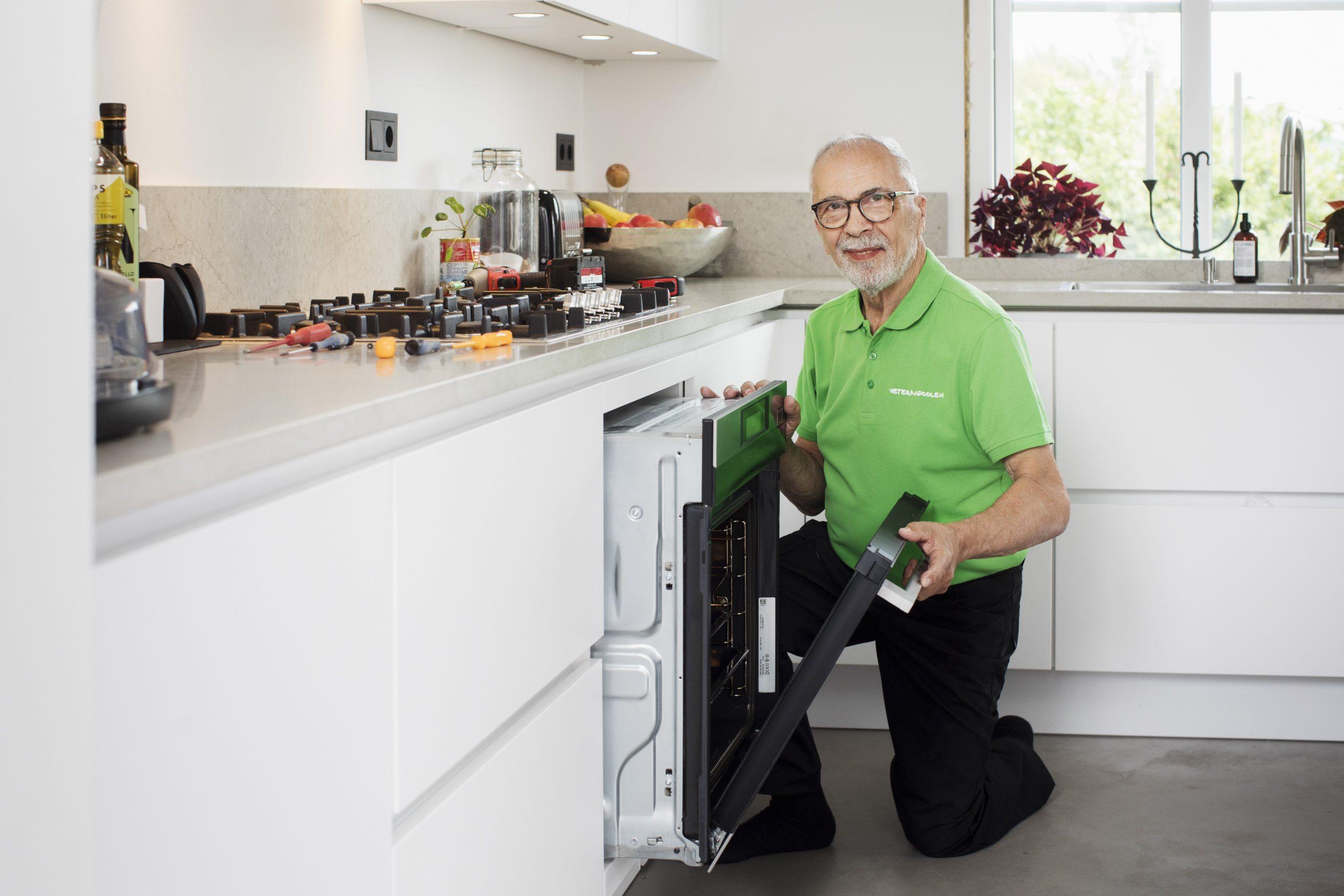 Ungt bolag tar hjälp av erfarna pensionärer